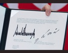 Giải mã chữ ký được ví như tên lửa, mũi tên của lãnh đạo Mỹ - Triều