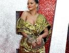 Rihanna mặc váy siêu nhàu dự sự kiện