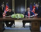 Đằng sau việc ông Kim Jong-un không dùng bút có chữ ký Trump