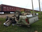 Tàu hỏa tông ô tô văng xa hàng chục mét, 2 người thương vong