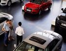 """Chờ giảm thuế, dân Trung Quốc hoãn mua ô tô, các hãng xe """"khóc ròng"""""""