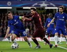 Cesc Fabregas bênh Messi, chê bai C.Ronaldo