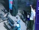 Trưởng Công an xã nổ súng giải tán đám đông