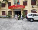 Áp giải bị cáo nhiễm HIV dâm ô trẻ em đến tòa bằng xe cứu thương