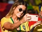 Dàn mỹ nhân của tuyển Brazil đẹp rực rỡ ăn mừng chiến thắng
