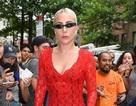 Lady Gaga mặc váy xuyên thấu đi giày siêu cao ra phố