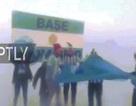 Đứng ở Nam Cực băng giá mừng Argentina vượt vòng bảng World Cup