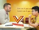 """Giới trẻ tự tin """"bắn"""" tiếng Anh tại cuộc thi V-Challenge"""