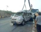 Xe container va chạm xe khách, 9 người thương vong