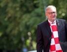 Mừng chiến tích World Cup, Tổng thống và Bộ trưởng Croatia mặc áo đội tuyển đi họp