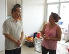 Bí thư Nguyễn Thiện Nhân thăm người dân Thủ Thiêm trong khu tạm cư