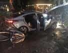 Ô tô lao vào quán cà phê, hai nữ sinh tử vong, nhiều người bị thương