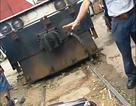 """""""Ném"""" xe máy chặn tàu hỏa, đòi xử lý TNGT"""