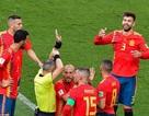 """Tây Ban Nha thua đau đớn Nga: Khi """"bò tót"""" húc đầu vào tường"""