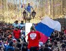Người Nga nhảy múa tưng bừng sau chiến thắng oanh liệt trước Tây Ban Nha
