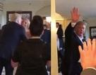 Tổng thống Trump bất ngờ xuất hiện tại đám cưới người lạ