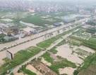 """Hà Nội: Ô tô, xe máy """"chết đứng"""" nhìn nước ngập"""