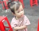 Bé gái 2 tuổi mất tích khi chơi trước sân nhà
