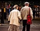Ấm áp tình yêu 60 năm bên nhau của bố mẹ già