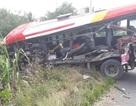 Xe khách tông xe đầu kéo, 7 người bị thương