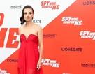 Mila Kunis tái xuất xinh đẹp