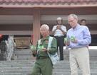 Hai cựu binh sống cách xa nửa vòng trái đất gặp nhau bên dòng Thạch Hãn