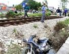 Bị tàu hỏa hất văng 10m, người phụ nữ tử vong thương tâm