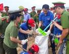 Hơn 500 chiến sĩ công an, đoàn viên… làm sạch bờ biển Phú Quốc