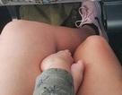 Bài viết của một phụ nữ về việc hai đứa trẻ la hét trên máy bay khiến nhiều người giật mình