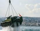 Lý do Lebanon nhấn chìm 10 xe tăng xuống biển