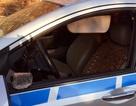 Đập vỡ kính ô tô, cướp tài sản của lái xe taxi