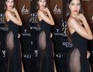 """Nữ diễn viên xinh đẹp gây sốc vì """"hở bạo"""" tại sự kiện ở Ấn Độ"""