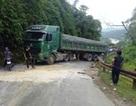 Giải cứu xe tải bị mắc kẹt khiến quốc lộ ùn tắc hơn 1 ngày