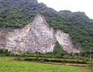 Rơi từ đỉnh núi, một công nhân mỏ đá tử vong