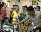 Hai nạn nhân vụ tai nạn thảm khốc tặng hơn 100 triệu đồng đến bệnh nhi nghèo