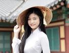 Miss Teen Nam Phương khoe tà áo dài trắng thướt tha trên đất nước Hàn Quốc