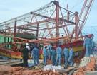 Lai dắt tàu cá về đảo Lý Sơn an toàn