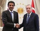 """Qatar """"bơm"""" 15 tỷ USD giúp Thổ Nhĩ Kỳ giữa lúc căng thẳng với Mỹ"""