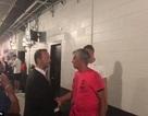 Mourinho bắt tay thân mật với sếp MU, xóa tan hiềm khích