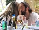 Heidi Klum tình tứ hôn bạn trai kém 17 tuổi