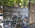 Hà Nội: Xe chở sơn cháy nổ đùng đùng giữa phố