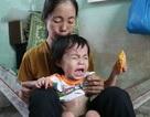 Nhói lòng bé 2 tuổi khóc trắng đêm vì mắc bệnh tim bẩm sinh