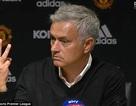 HLV Mourinho nổi điên trong phòng họp báo