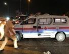 Xe cấp cứu bị tông bẹp dúm, tài xế và điều dưỡng nghi nhập viện