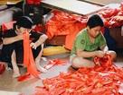 Công xưởng tăng tốc, thức trắng đêm làm cờ Tổ quốc cổ vũ Olympic Việt Nam