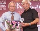 PGS Nguyễn Văn Huy nhận Giải thưởng Bùi Xuân Phái