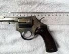 Hà Nội: Thu 4 khẩu súng trong nhà kẻ buôn ma túy