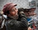 Nét đẹp phụ nữ Việt Nam trong lao động qua con mắt của Lê Bích