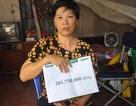 Bạn đọc giúp người mẹ bị tai biến chăm con mù lòa hơn 200 triệu đồng