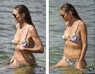 Heidi Klum thon thả với bikini